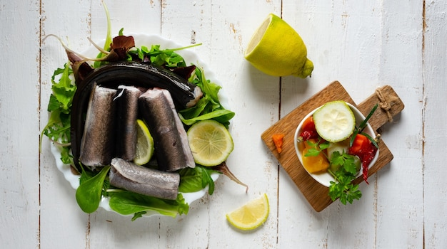 Prato de peixe cru napolitano típico do período de natal enguia capitone
