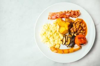 Prato de pequeno-almoço inglês