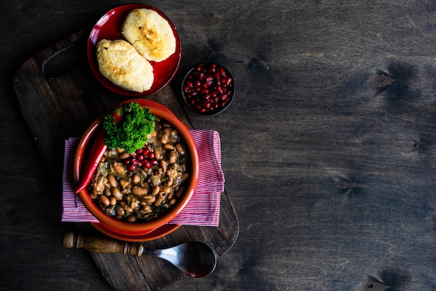 Prato georgiano tradicional lobio