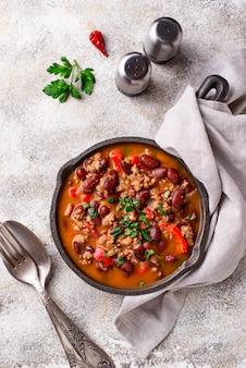 Prato mexicano tradicional chili con carne