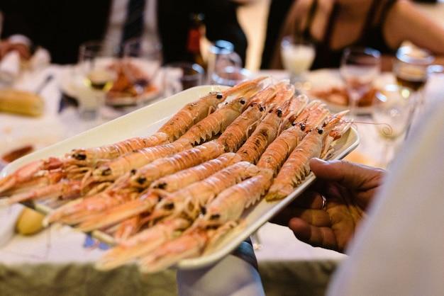 Prato principal da lagosta de casamento de noruega