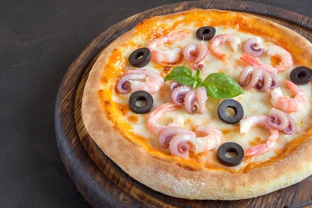 Prato tradicional italiano, deliciosa pizza
