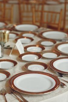 Pratos de casamento elegantes