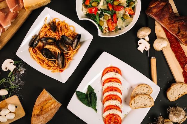 Pratos de cozinha mediterrânea