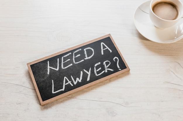 Precisa de um advogado