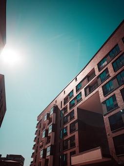 Prédio de apartamentos de concreto