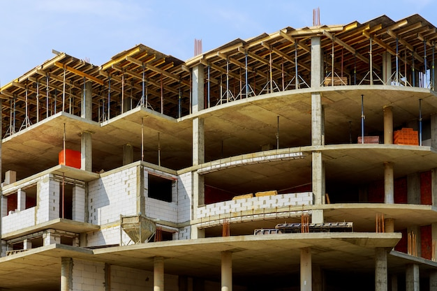 Prédio do canteiro de obras para a nova casa