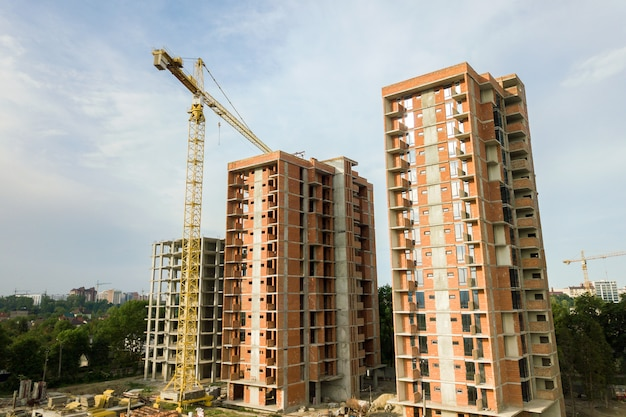 Prédios residenciais em construção