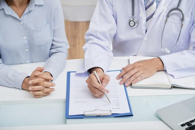 Preenchendo histórico médico