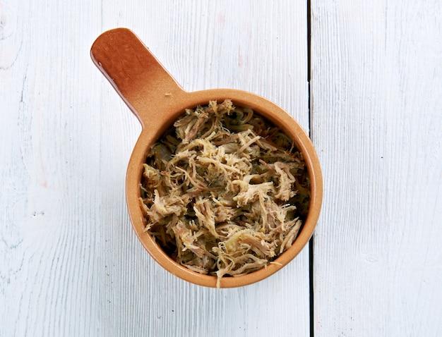 Preparação de rillettes de carne semelhante a patê
