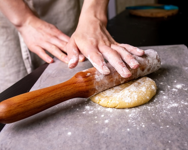 Preparação do teste para assar bolos