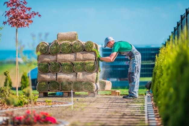 Preparando a instalação da grama