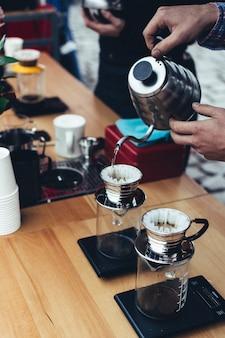 Preparando café fabricado