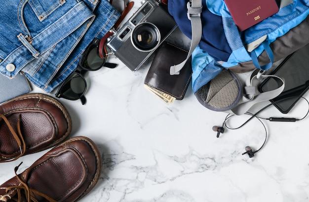 Prepare acessórios de mochila e itens de viagem