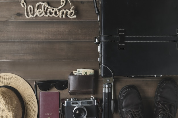 Prepare acessórios para viajar em tom vintage