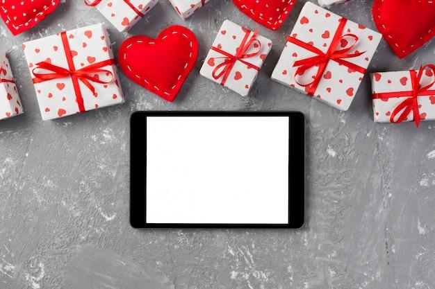 Presente de dia dos namorados na decoração do feriado, copyspace