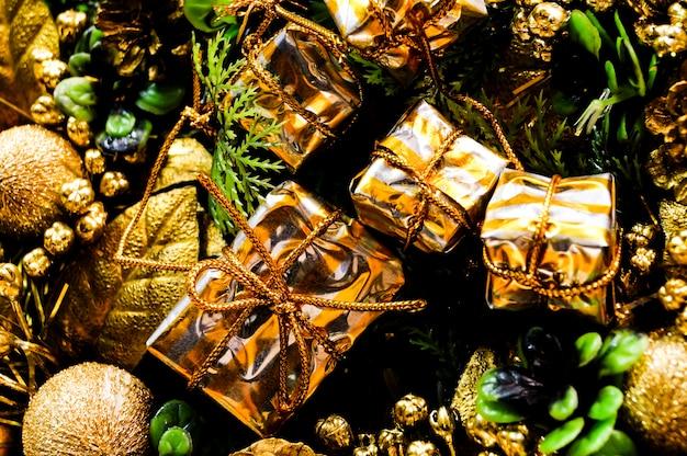 Presentes de composição de natal solavancos e abeto