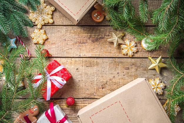 Presentes de natal com galhos de árvores