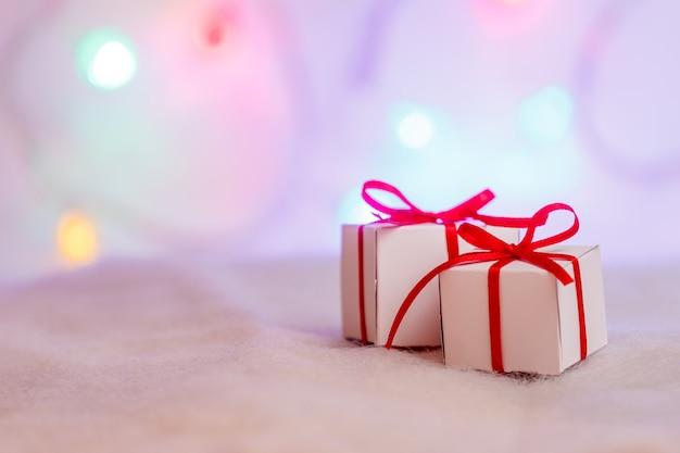 Presentes de natal decorados embaçados