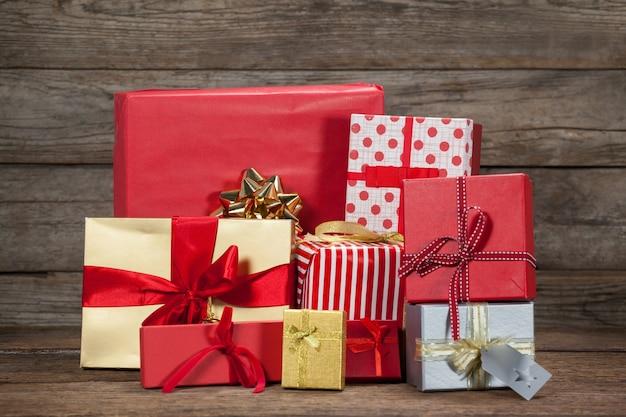 Presentes de natal empilhados