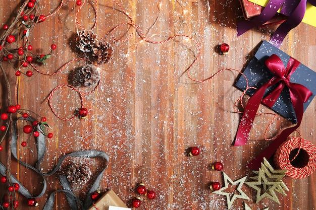 Presentes e enfeites de natal