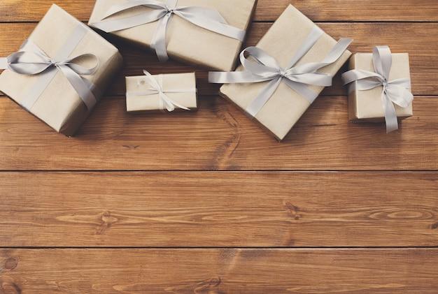 Presentes para qualquer conceito de férias, moldura de caixas de presente em madeira