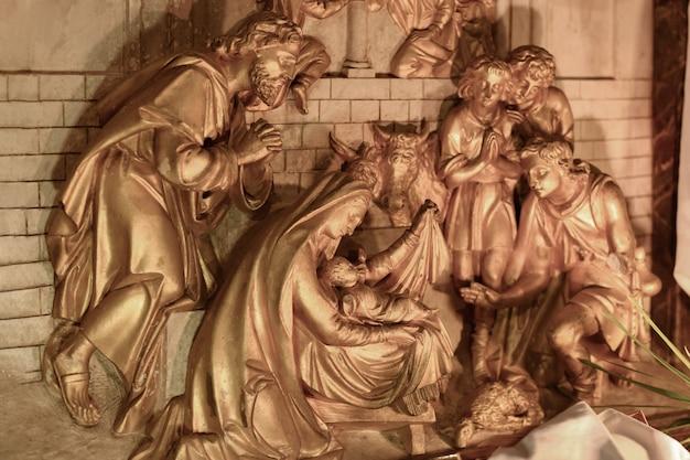 Presépio cena de natal com maria e o pequeno jesus