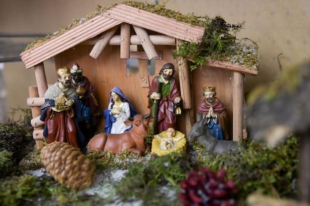 Presépio de natal com o bebê jesus creche