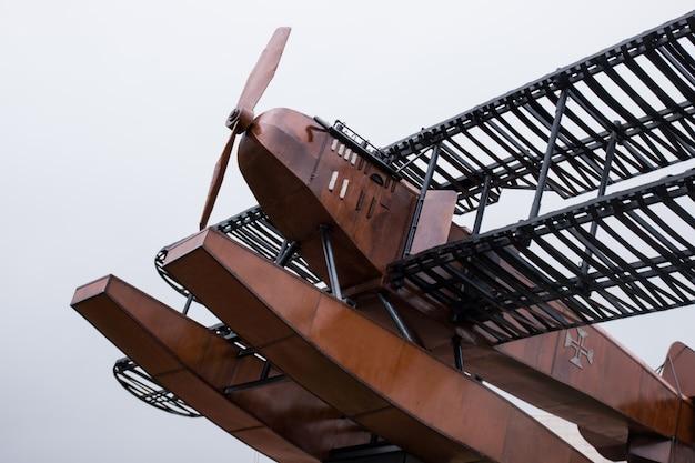 Primeira travessia aérea do monumento do atlântico sul