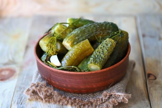 Probióticos de pepinos fermentados