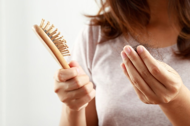 Problemas de saúde, perda de cabelo das mulheres