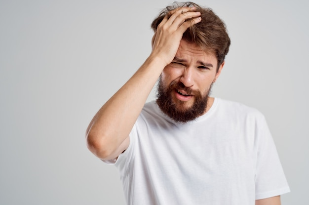 Problemas emocionais de saúde do homem enxaqueca transtorno de estresse isolado fundo