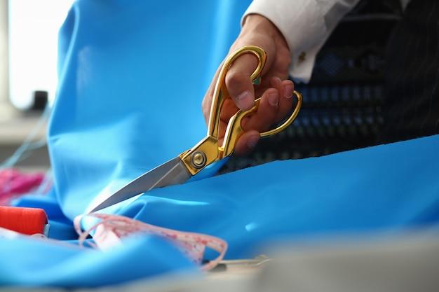 Processo de costura serviço de costura closeup tiro
