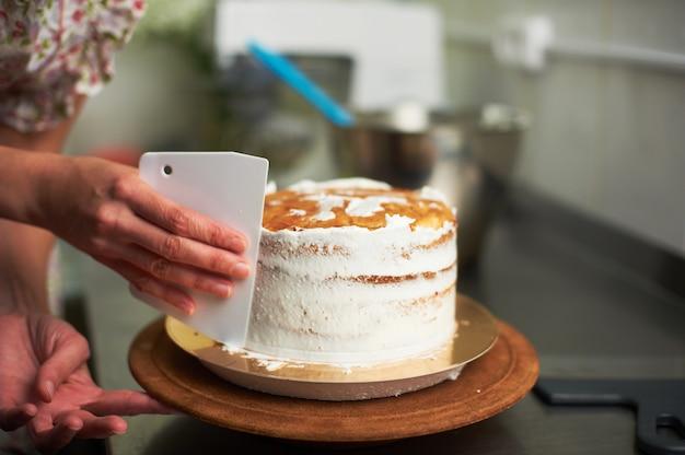 Processo de cozimento do bolo