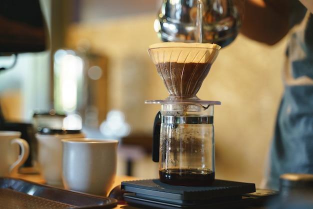 Processo de gotejamento de café