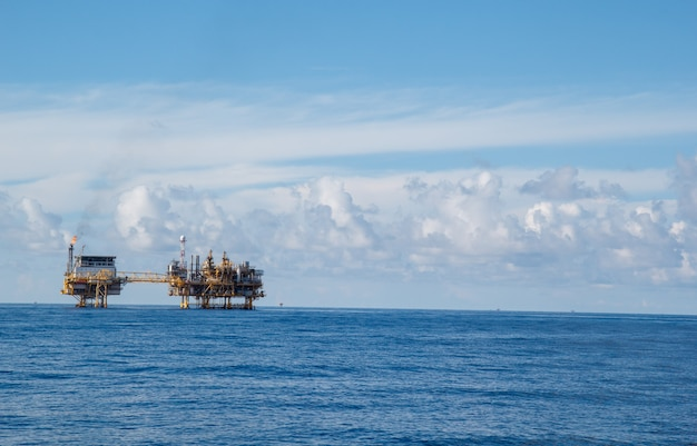 Processo de produção de petróleo e gás plana em offshore