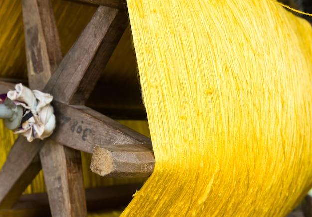 Processo de seda feito à mão