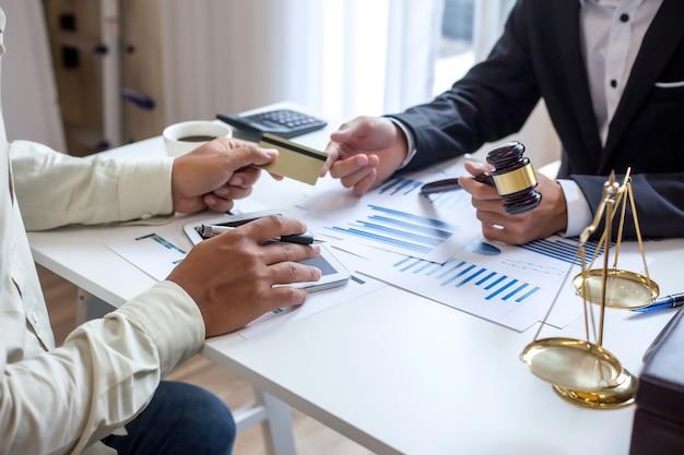 Procuradores na consultoria de fraude em cartões de crédito