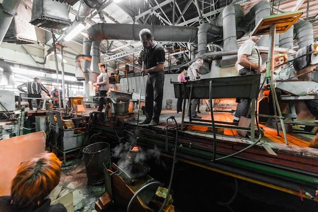 Produção de vidro no fundo da indústria de fábrica de fabricação