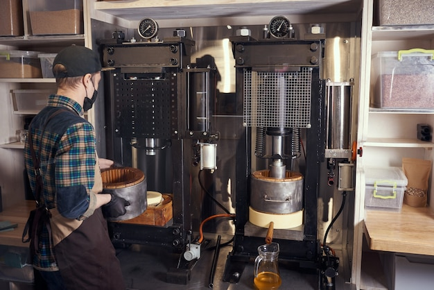 Produção local de óleo de semente pequena
