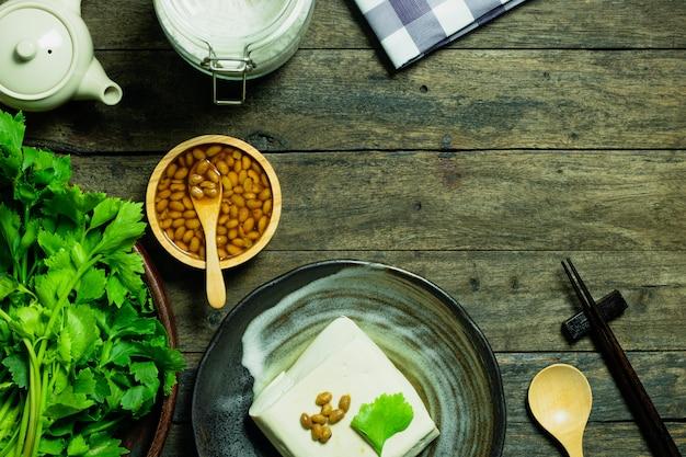 Produto alimentar de tofu a partir de soja e aipo antioxidante alimentar saudável
