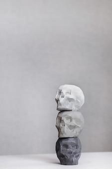 Produto concreto do conceito de crânio. decoração de casa.