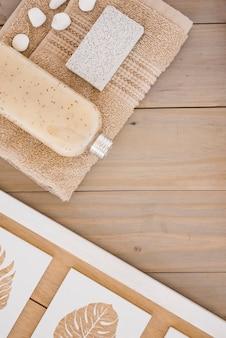 Produtos castanhos para o banho