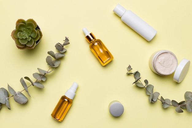 Produtos cosméticos de vista superior