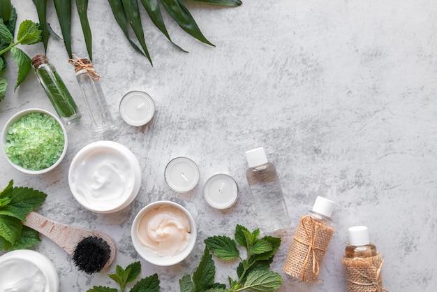 Produtos cosméticos naturais com espaço para texto