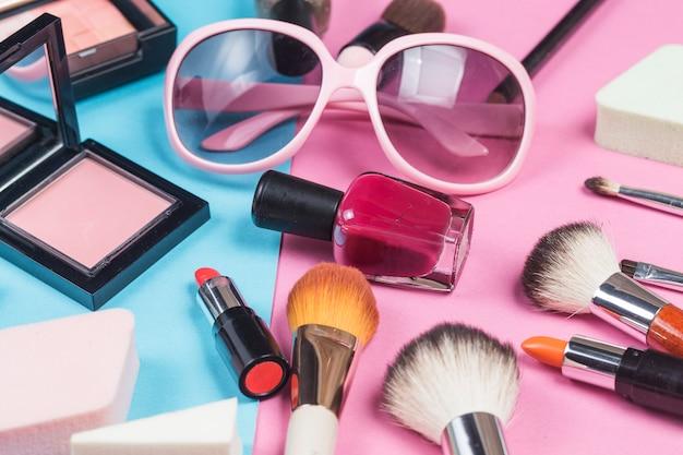 Produtos cosméticos para bolsas e maquiagem