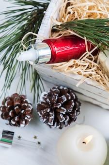 Produtos de beleza e cosméticos com decoração de natal