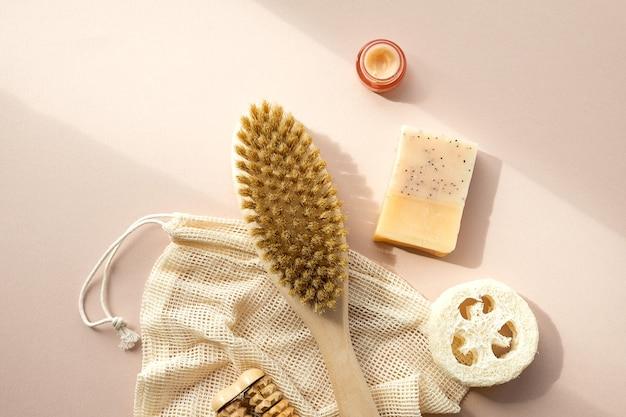 Produtos de beleza ecológicos, utensílios de banho orgânicos naturais. cuidados com a pele ecológicos, conceito de tratamento corporal. estilo de vida vegano do minimalismo consciente.