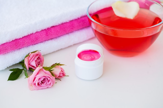 Produtos de bem-estar e cosméticos. ingredientes do banho-dia para sabão dos tratamentos dos termas.