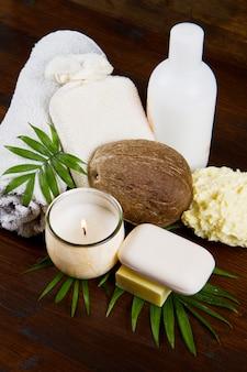 Produtos de coco de spa em madeira